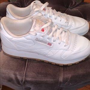 Reebok classic Sz 7.5 ladies sneakers